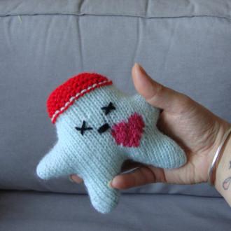 Nawak Gaïa - doudou tricoté à la main pour adultes et grands enfants