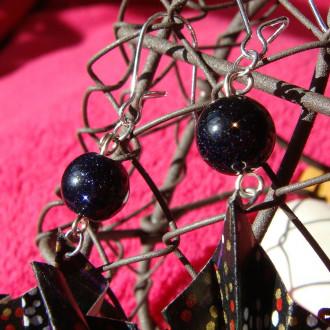Boucles d'oreilles Paons noirs en origami et perles de soleil bleues