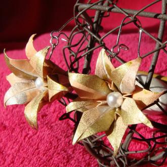 Boucles d'oreilles Fleurs Dorées en origami v2