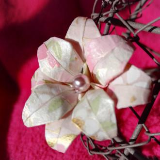 Boucles d'oreilles Fleurs roses en origami