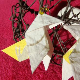 Boucles d'oreilles Cocottes blanches et jaunes en origami