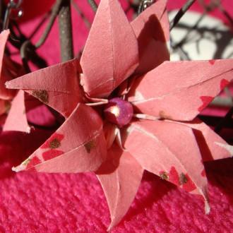 Boucles d'oreilles Fleurs roses et blanches en origami