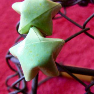 Boucles d'oreilles puces Lucky Stars vertes en origami