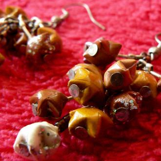 Boucles d'oreilles Pluie d'étoiles marron en origami